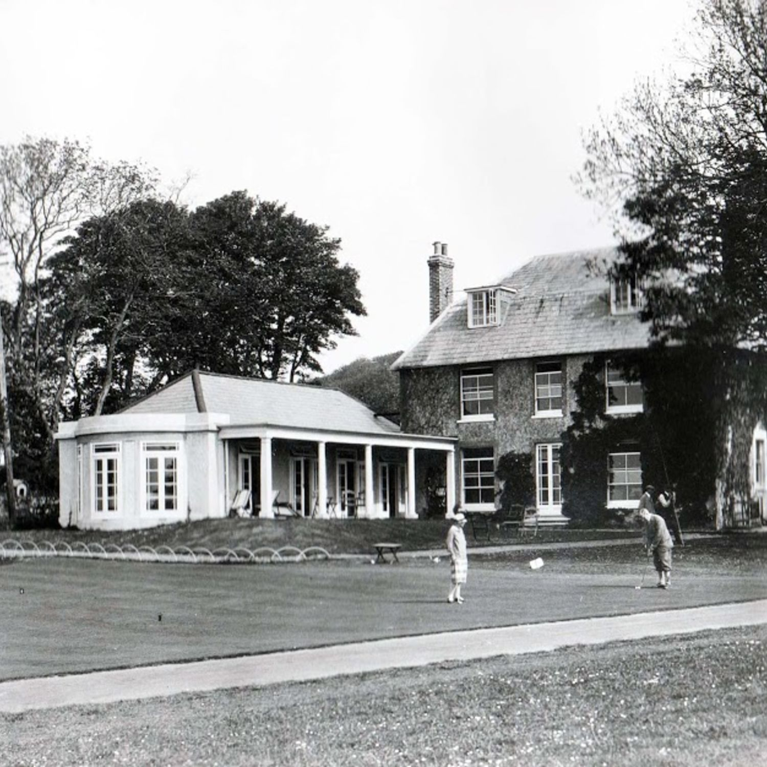 1924. A new wing was built to the south of the Clubhouse as a dining room