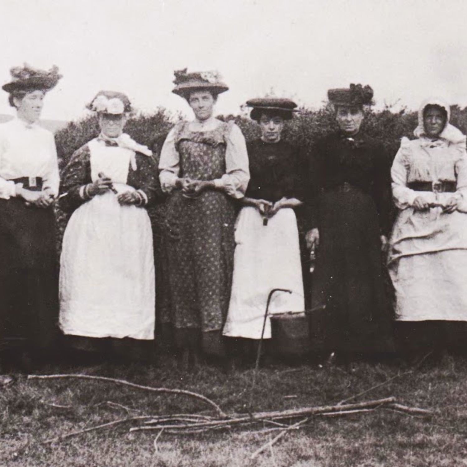 1914-1918 Wives of the greens staff worked on the course when their husbands were away