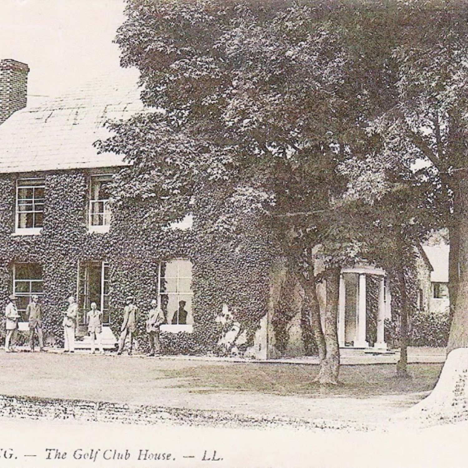The Warren Farm House became the Club House in 1905 in this postcard.